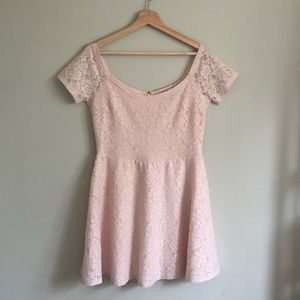 Forever 21 // Blush Pink Floral Lace Dress